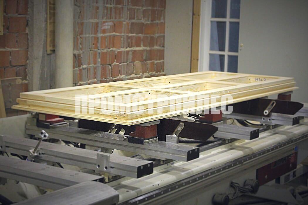 Производство входных, балконных и межкомнатных деревянных дверей «Промстройлес»